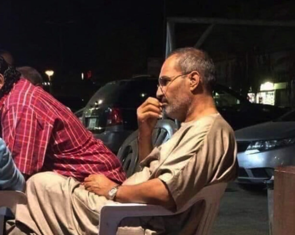 Steve Jobs look-alike spotted in Egypt. Now that's a