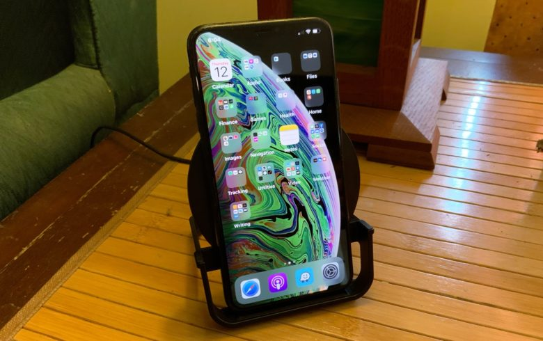 Belkin Boost Up Charge Wireless Charging Stand with iPhone XS Max