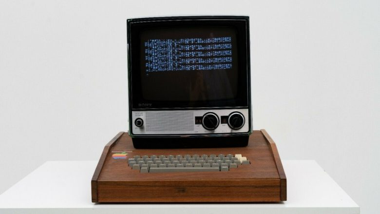 Apple-1 in a Byte Shop wooden case