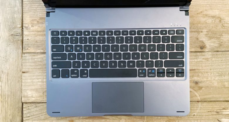 Sentis Libra iPad keyboard with trackpad