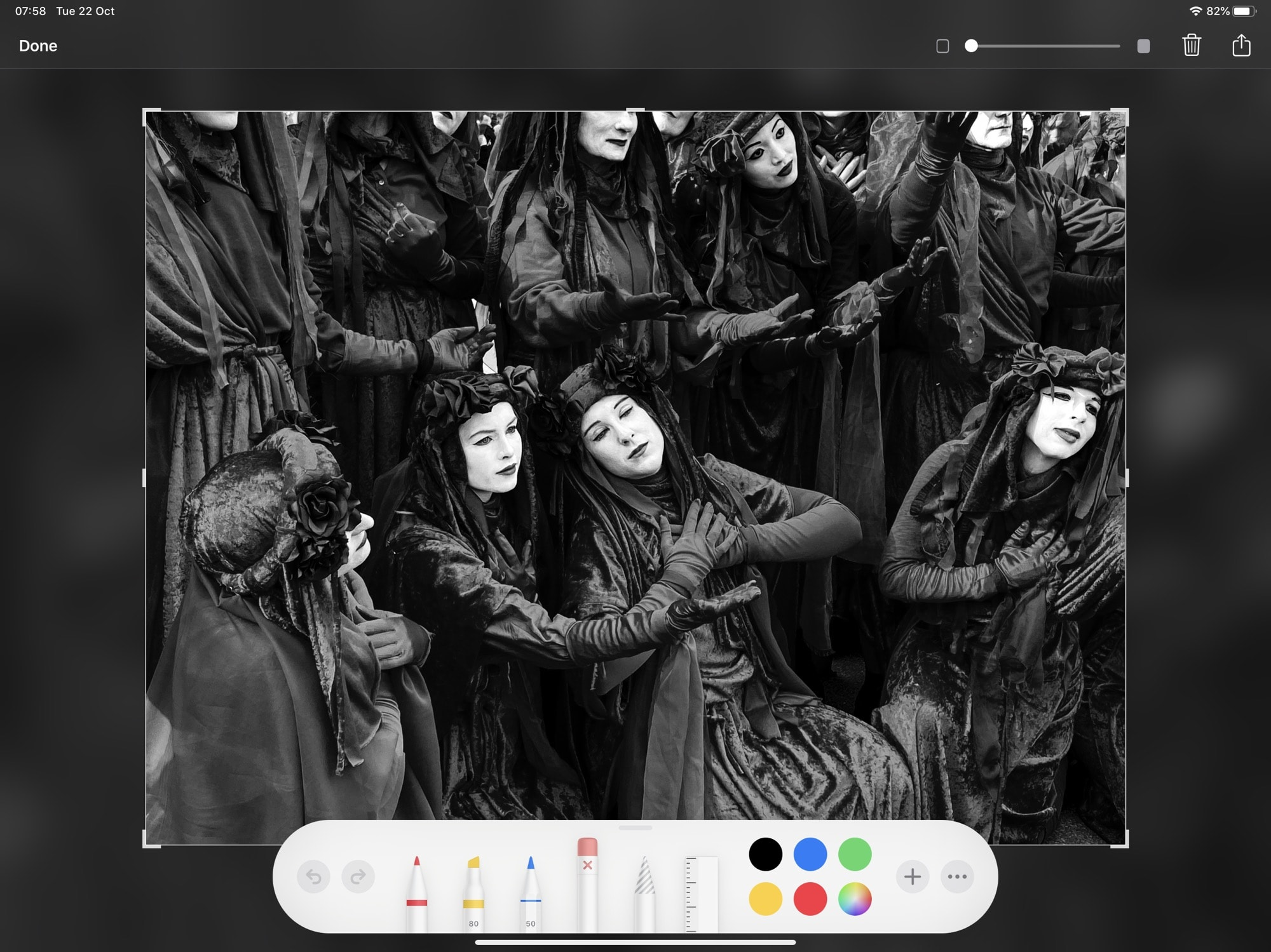 The new Instant Markup tool panel in iPadOS.