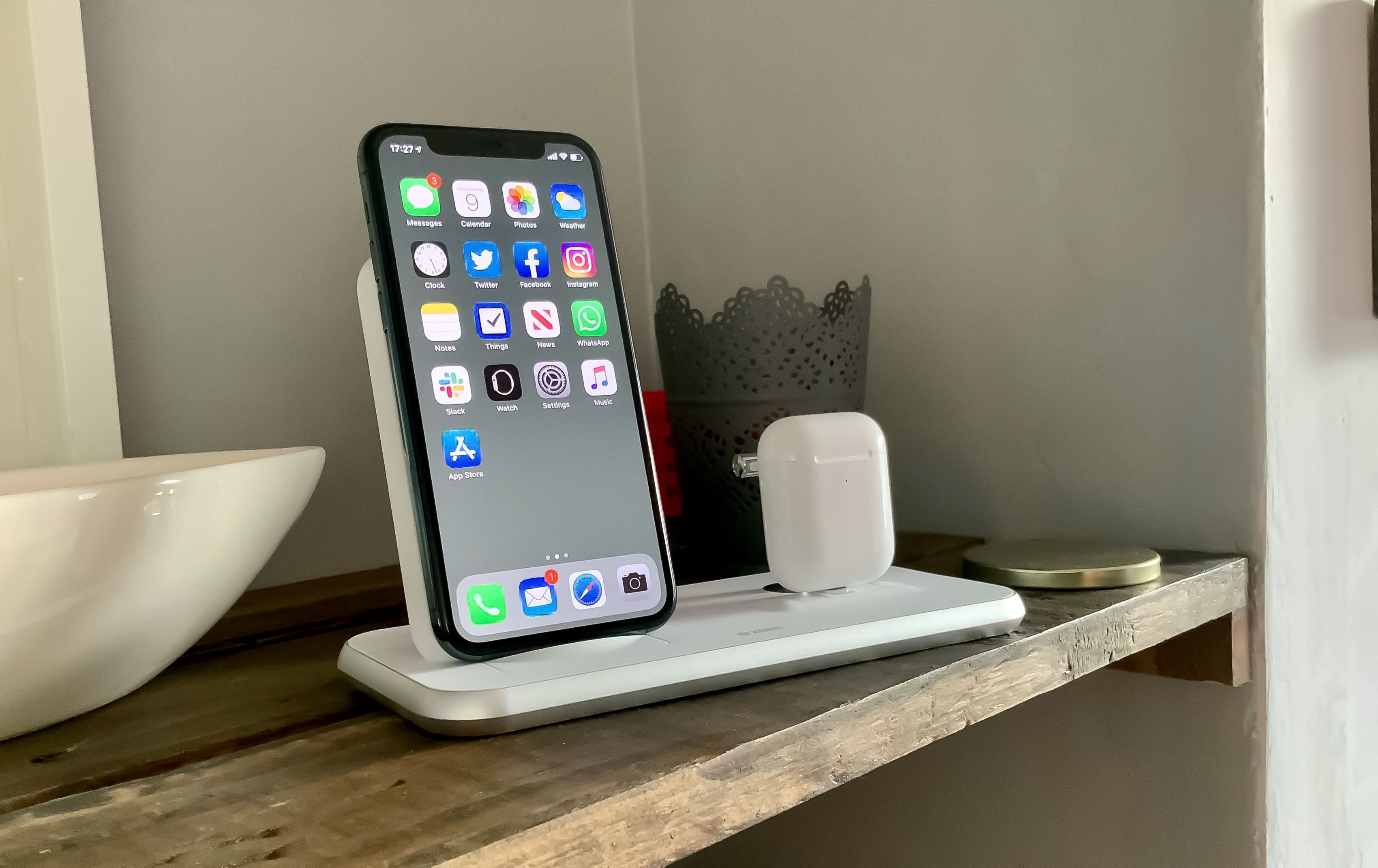 Zens Stand+Dock is a spectacularly simple charging solution