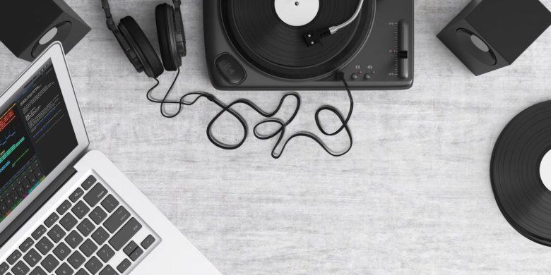 turntable-top-view-audio-equipment-159376