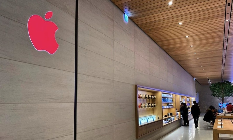 Apple Stores start turning red for World AIDS Day