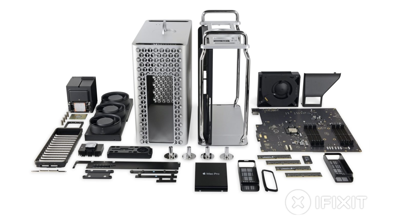A 2019 Mac Pro after an iFixit tear down