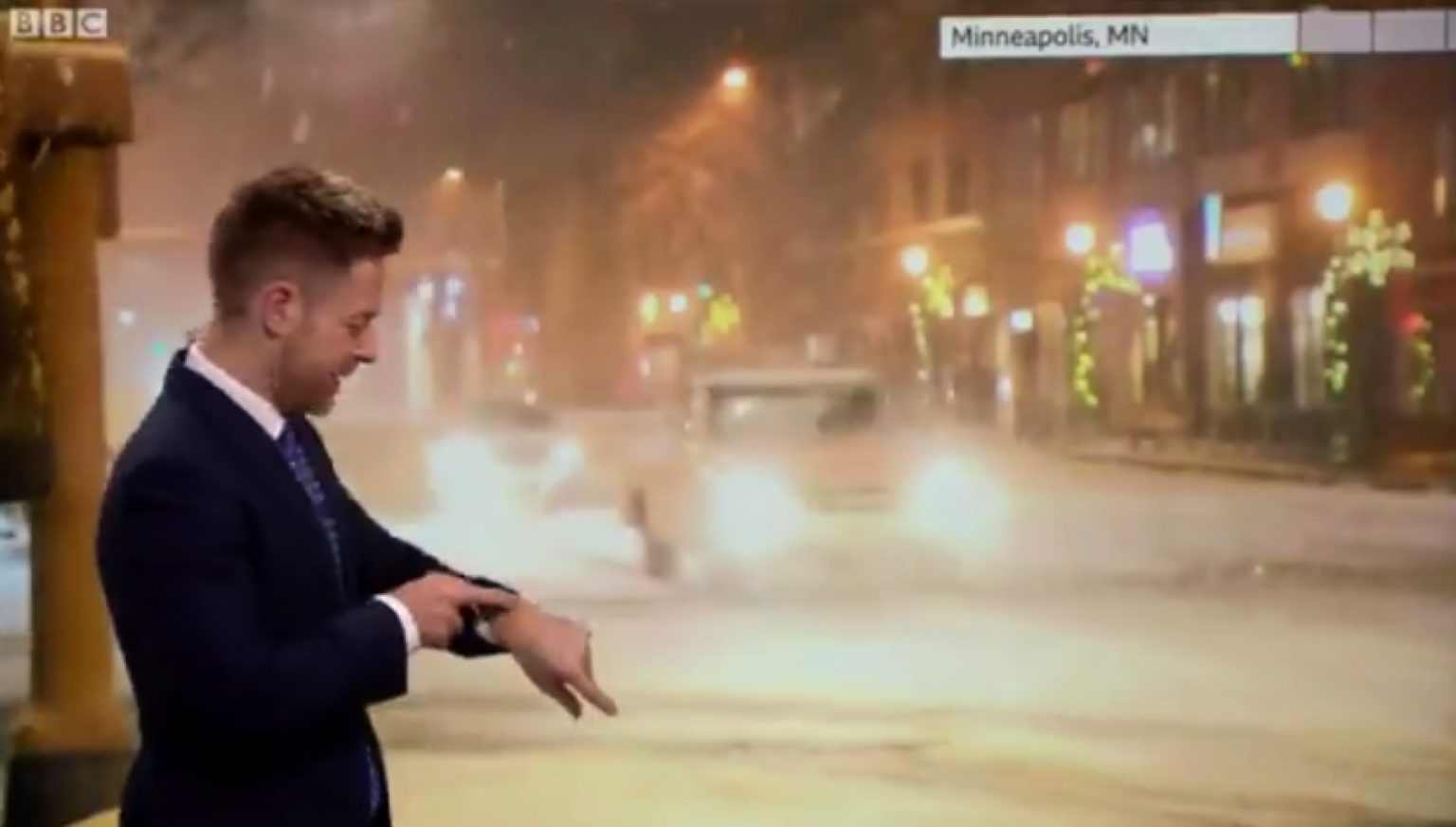 Siri corrects weatherman during a live broadcast