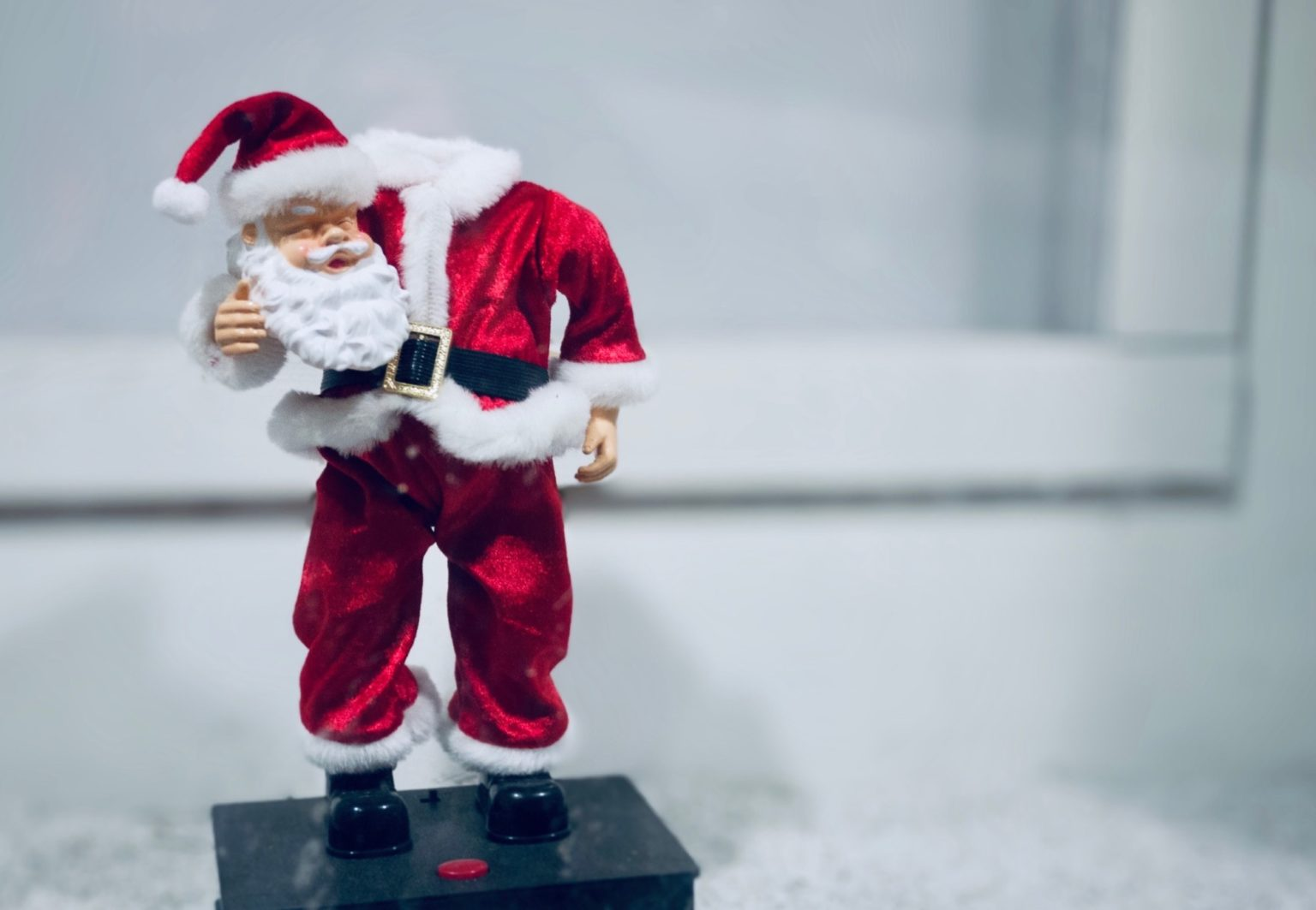 headless Santa holiday photos
