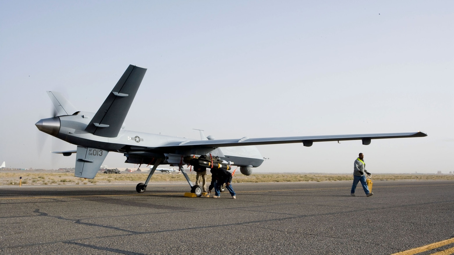 A MQ-9 Reaper drone won't ever have Apple AI software.
