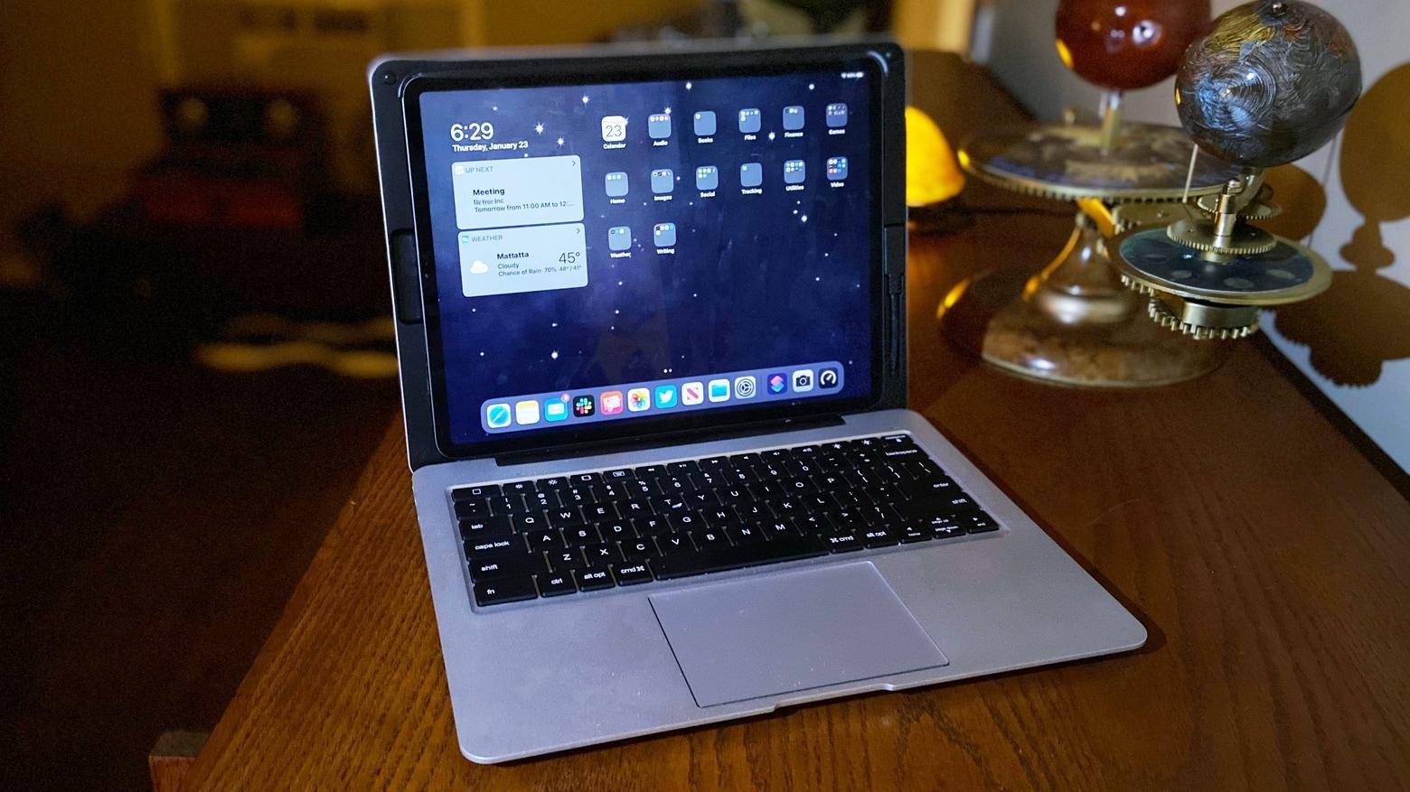 Doqo keyboard with 12.9-inch iPad Pro