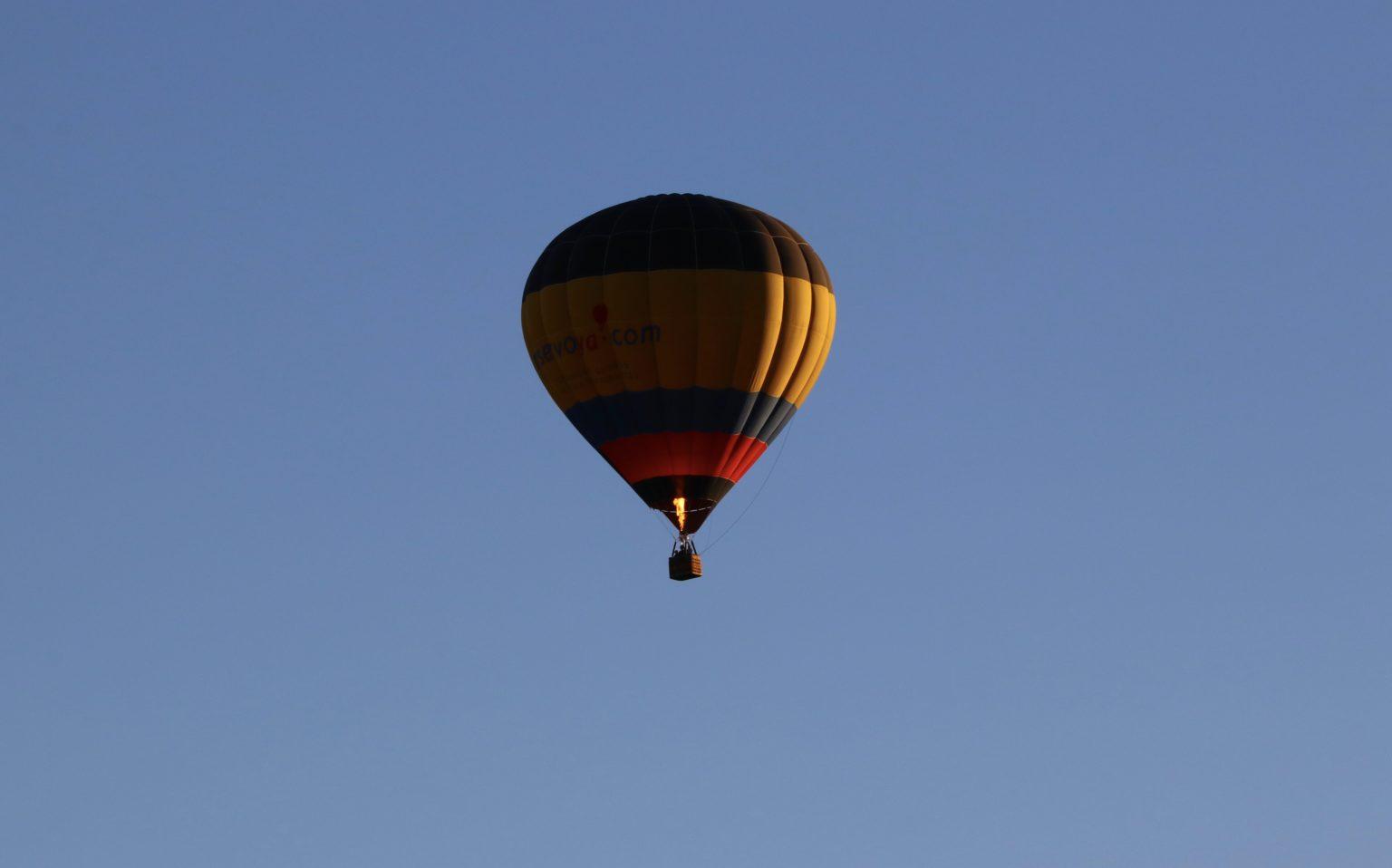AirDrop-hot-air-balloon