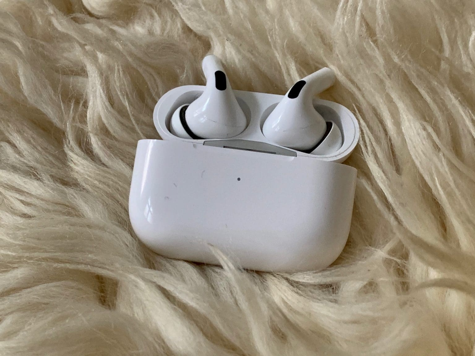 AirPods sharing