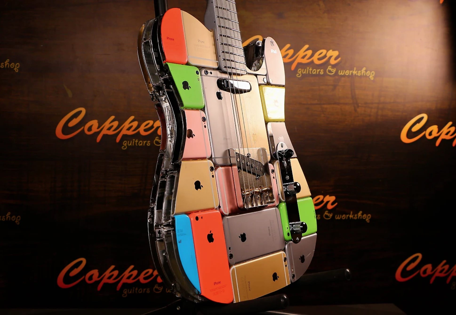 This custom iPhone guitar from Copper Guitars is the most rockin' iPhone mod ever.