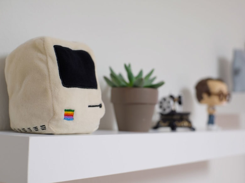 Pocket Pillow of original Mac