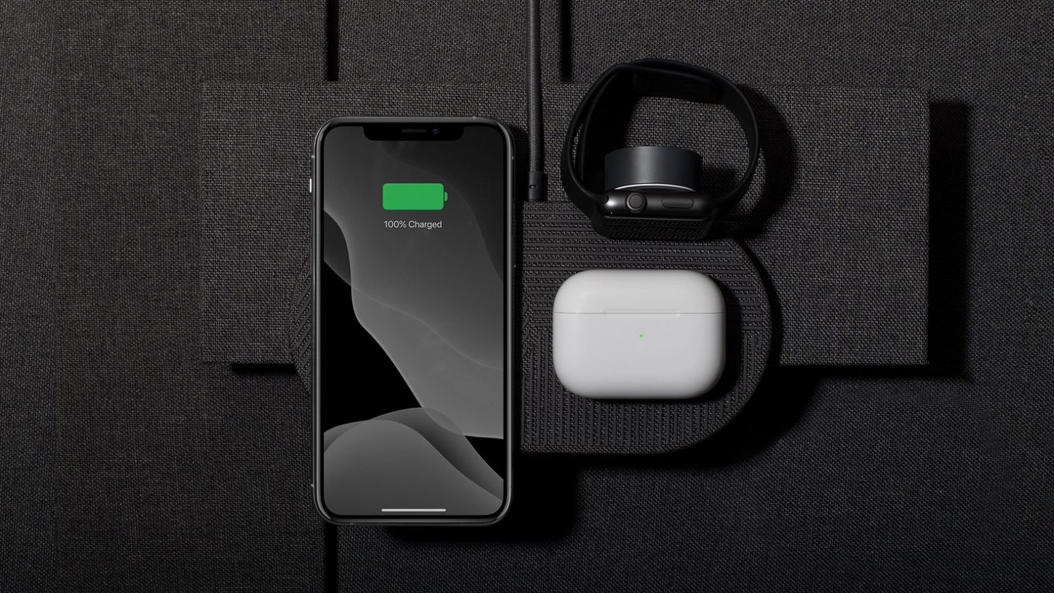 Native Union Drop XL (Watch Edition) is a three chargers in one.