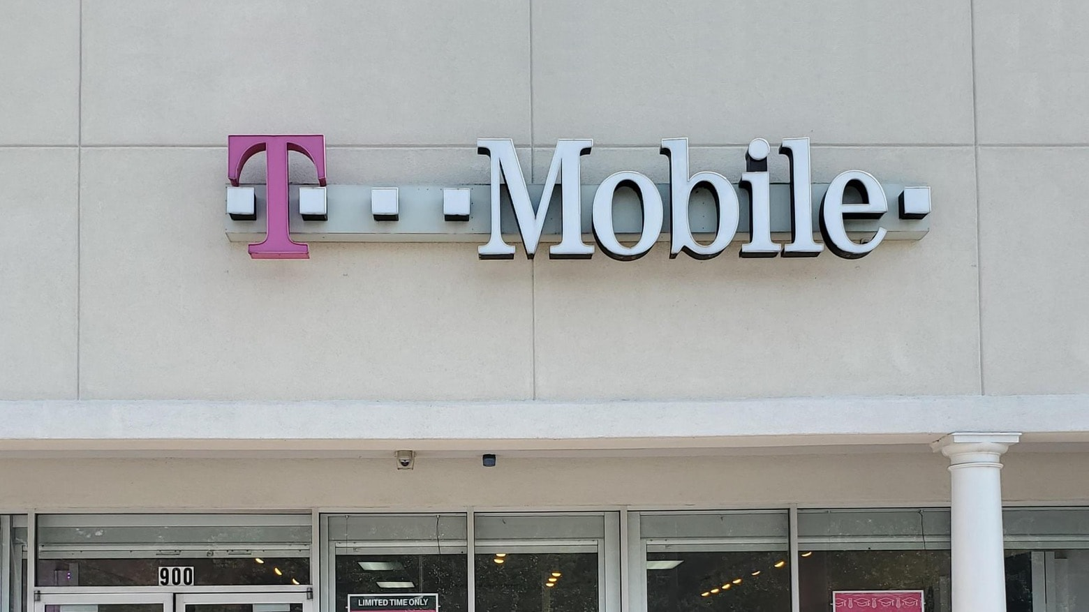 T-Mobile retail stores already take T-Mobile Apple Pay