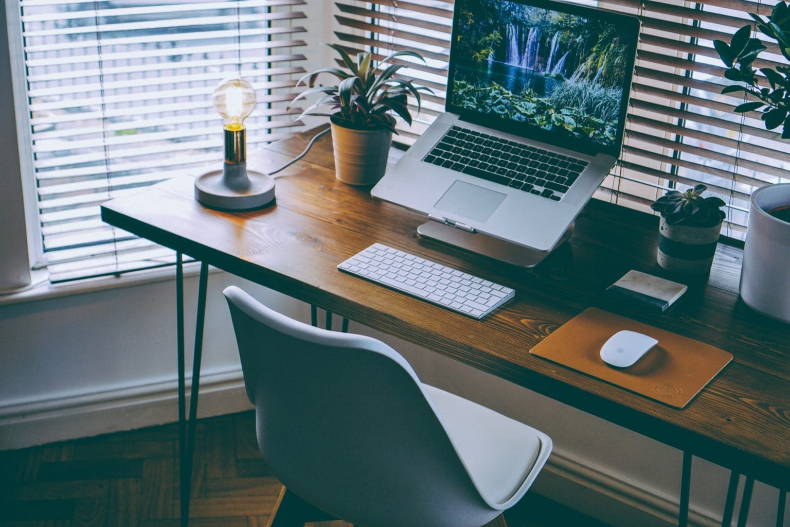 Telecommuting tips: Who wants to go to an office when they can work from home like this?