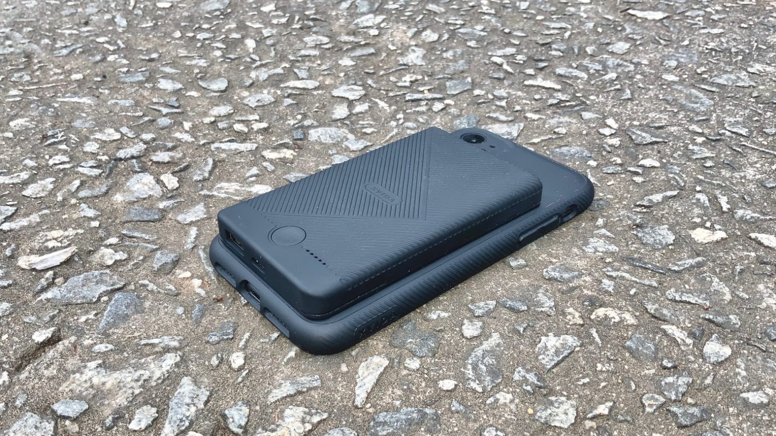 Xvida Magnetic Wireless Charging Case and Portable Battery Pack review