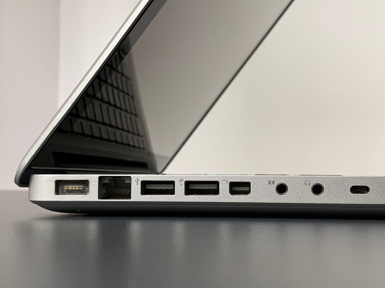 macbook review ports