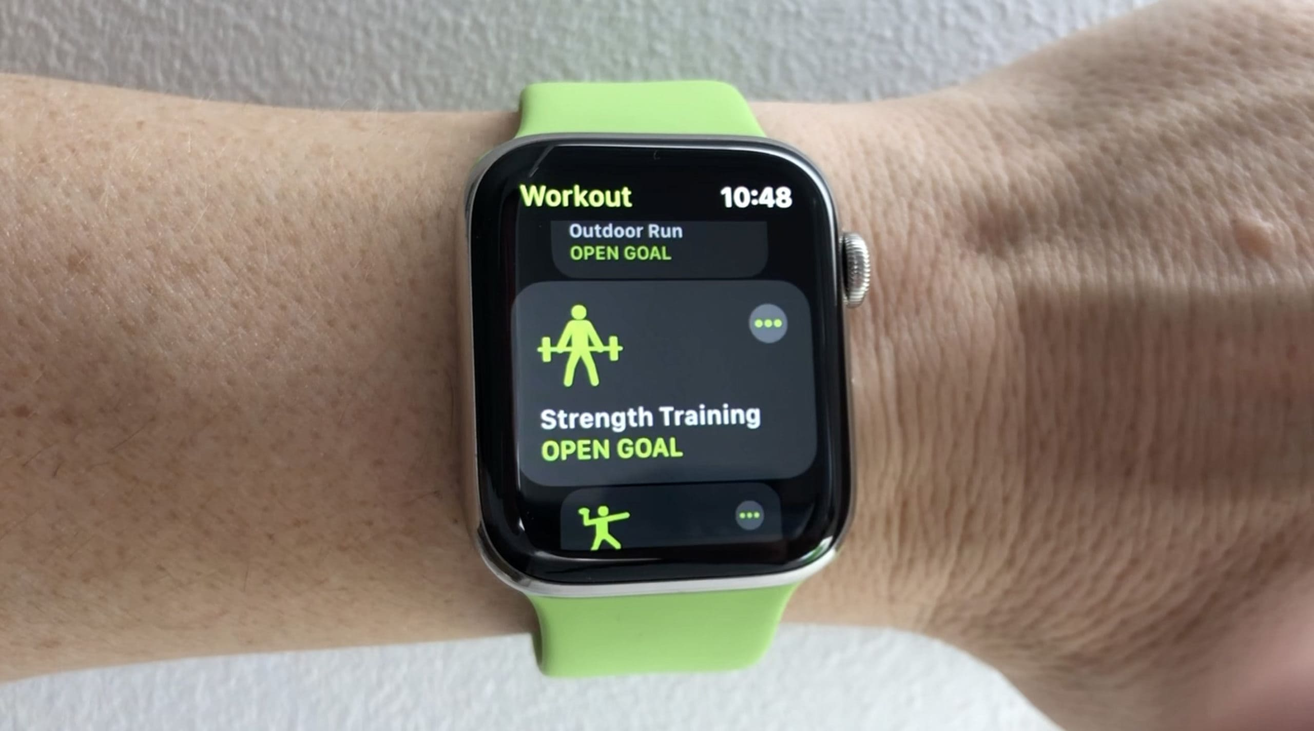 Use the Apple Watch Strength Training option to log your six-pack workout