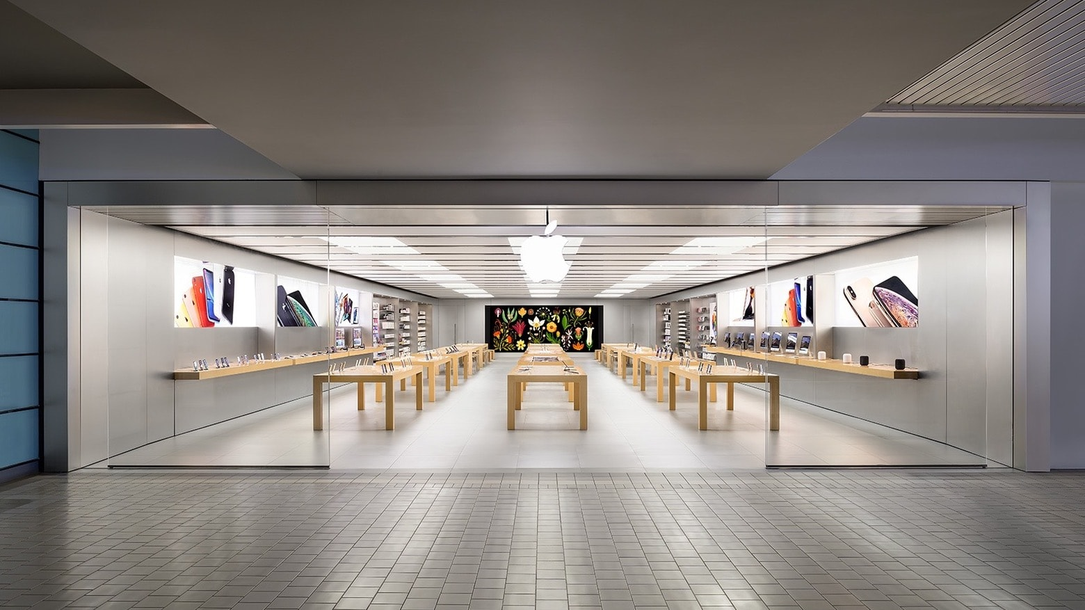 Apple Anchorage 5th Avenue Mall will reopen in mid-May.