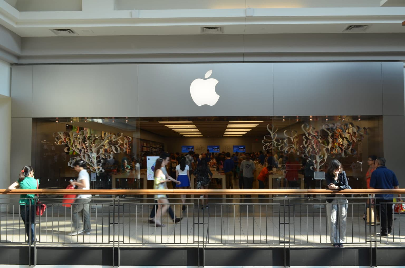Apple plans to start the slow process of reopening its U.S. retail stores next week.