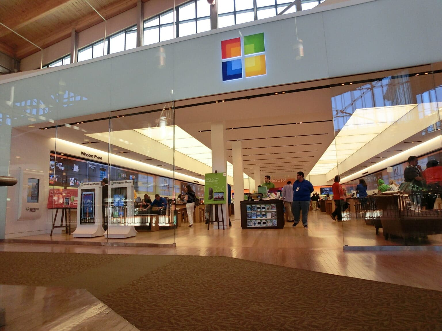 Unlike Apple's retail meccas, Microsoft Stores never became successes.