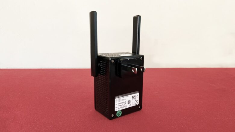 Rock Space AC1200 Dual Band Wi-Fi Repeater is one piece of hardware.