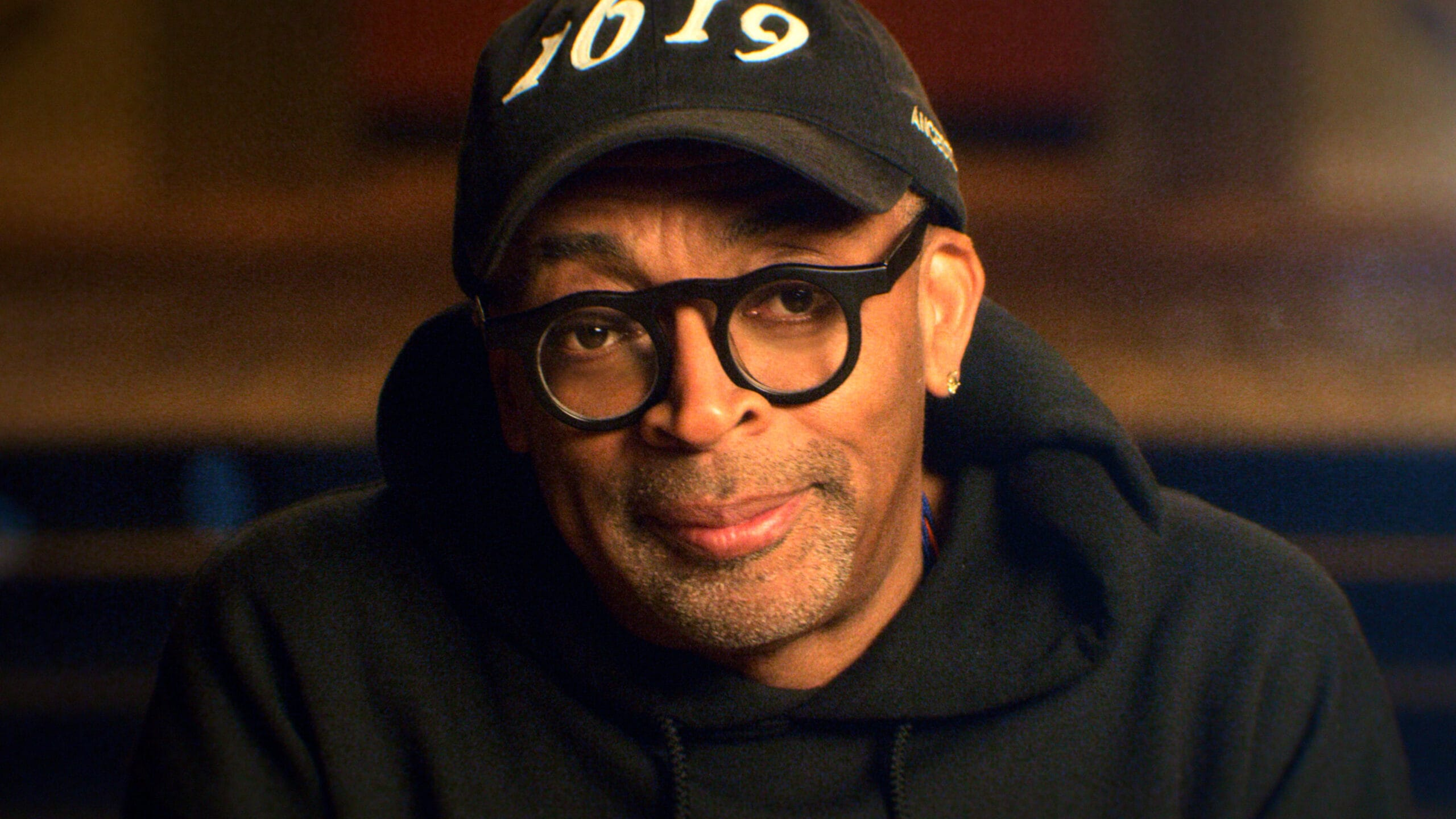 Spike Lee enters the spotlight in the first episode of Apple TV+ series Dear...