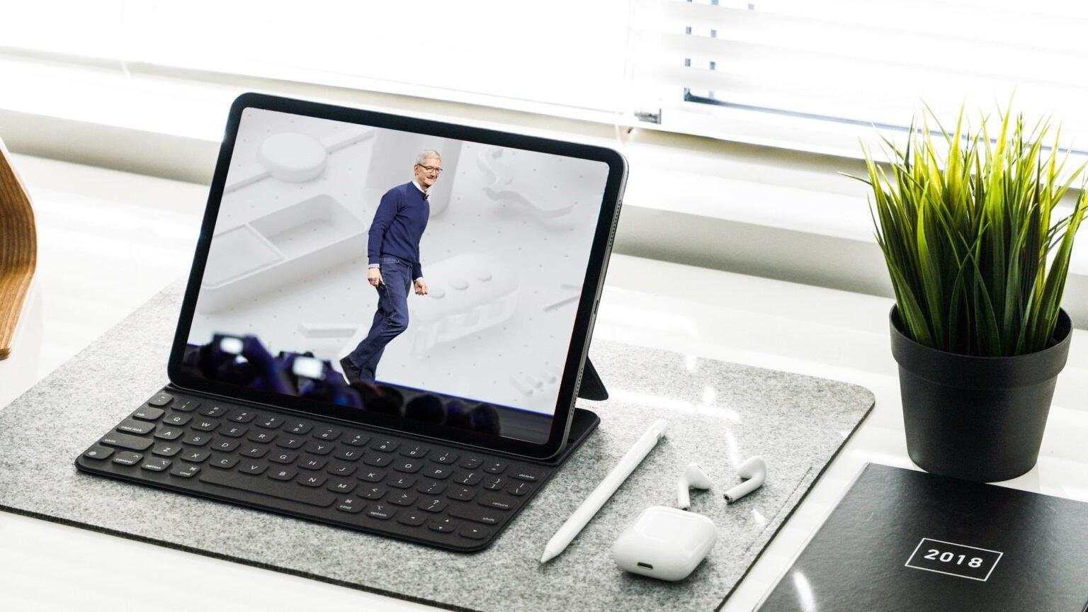 Tim Cook at WWDC on iPad