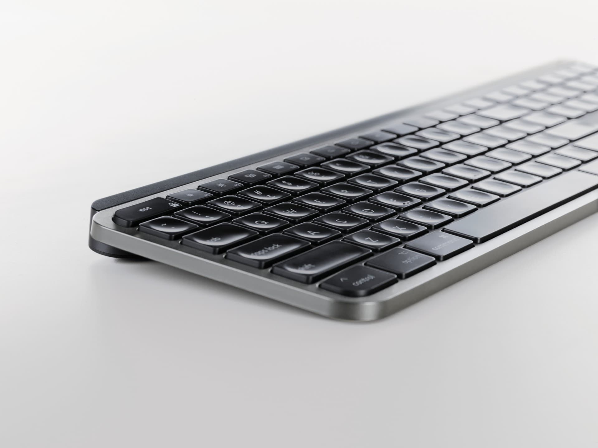 MX Keys for Mac looks gorgeous in space gray (and the keys are in the right spots).