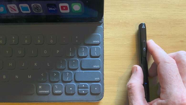 The Adonit Note-M talks to your iPad via Bluetooth.