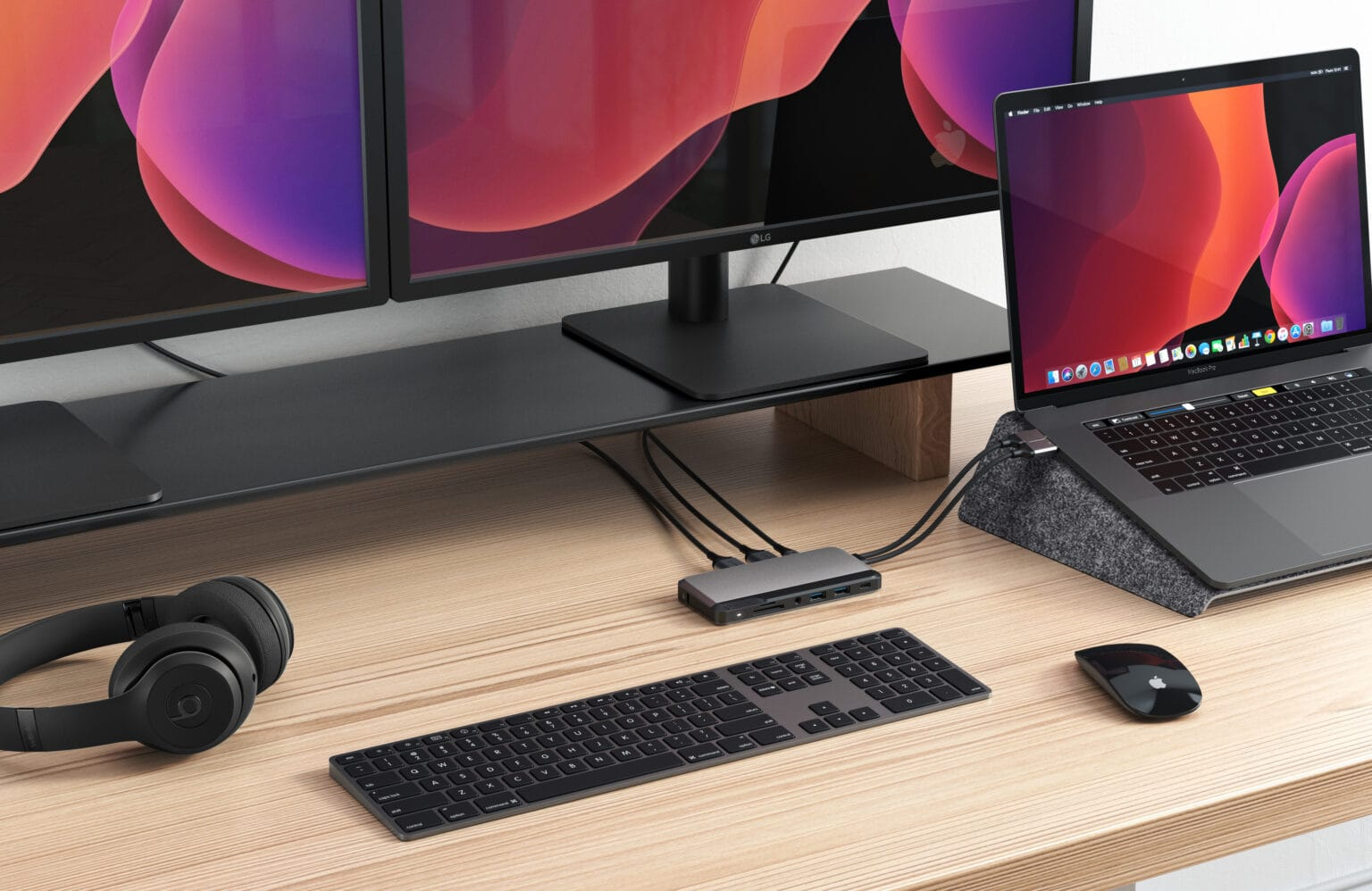 The ALOGIC 10-in-1 USB-C Super Dock works with Mac and Windows.
