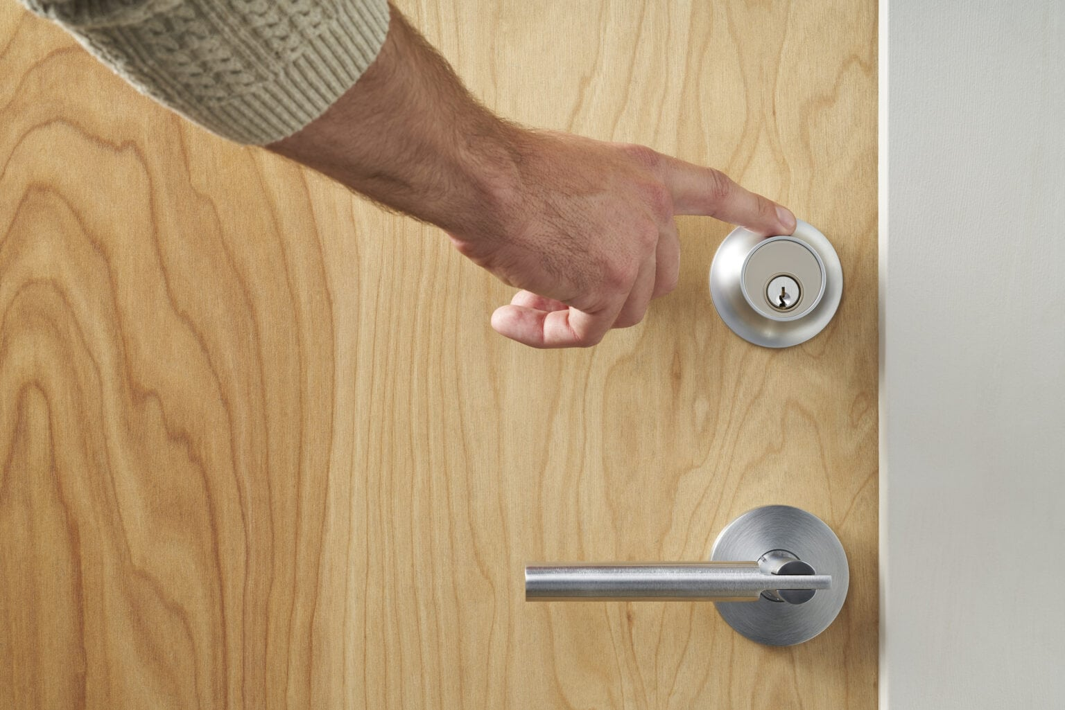 The new Level Touch smart lock opens with a touch -- and other ways, too.