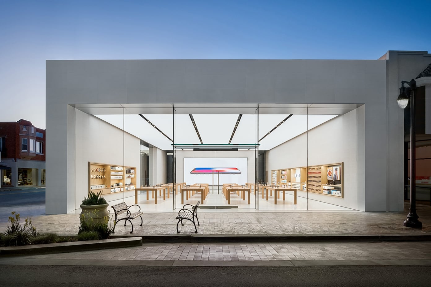 Apple Burlingame 1