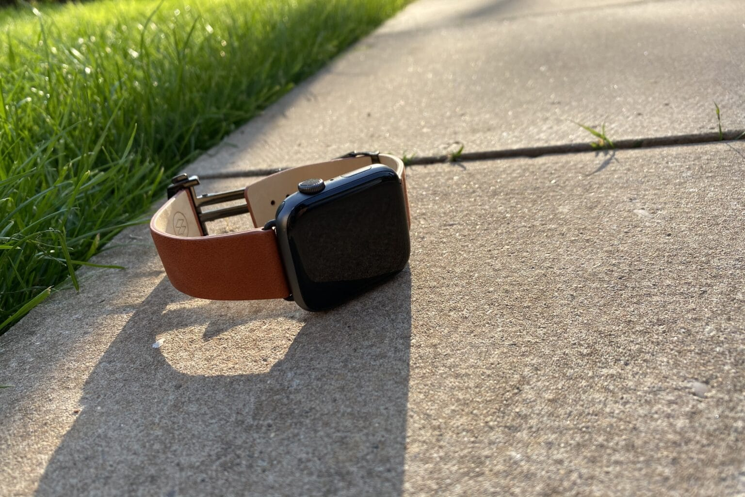 Monowear Deployant Leather band for Apple Watch