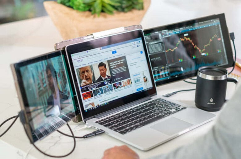 Mobile Pixels Trio: Instantly expand your laptop's display real estate with this plug-and-play USB dual-screen accessory
