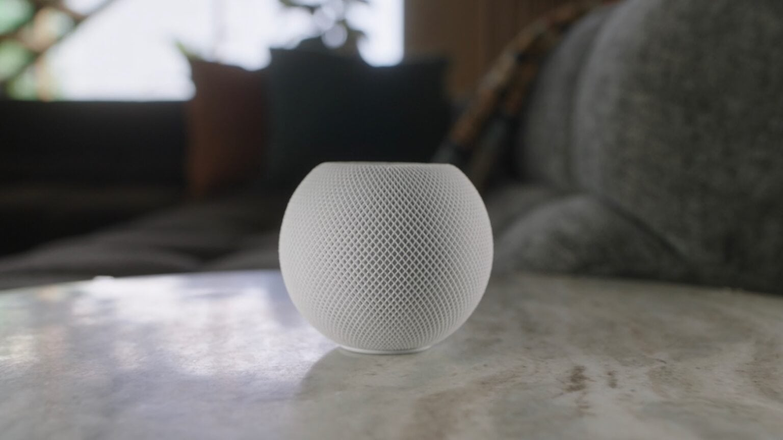 HomePod mini lives up to its name