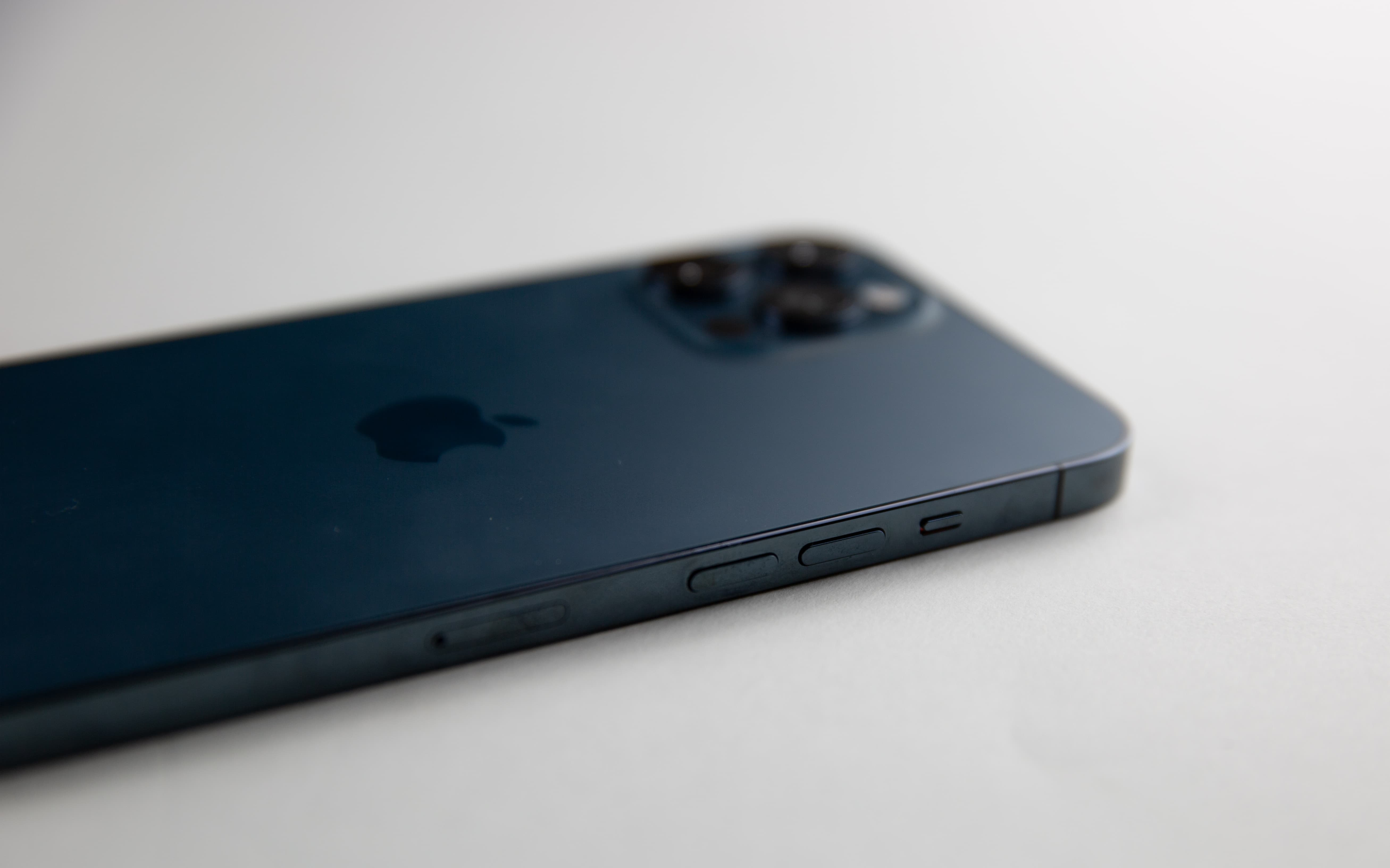 iPhone 12 Pro Max review: This is one gorgeous, and gigantic, iPhone