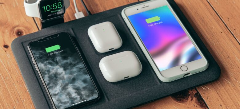 Mophie 4-in-1 Wireless Charging Mat lives up to its name.