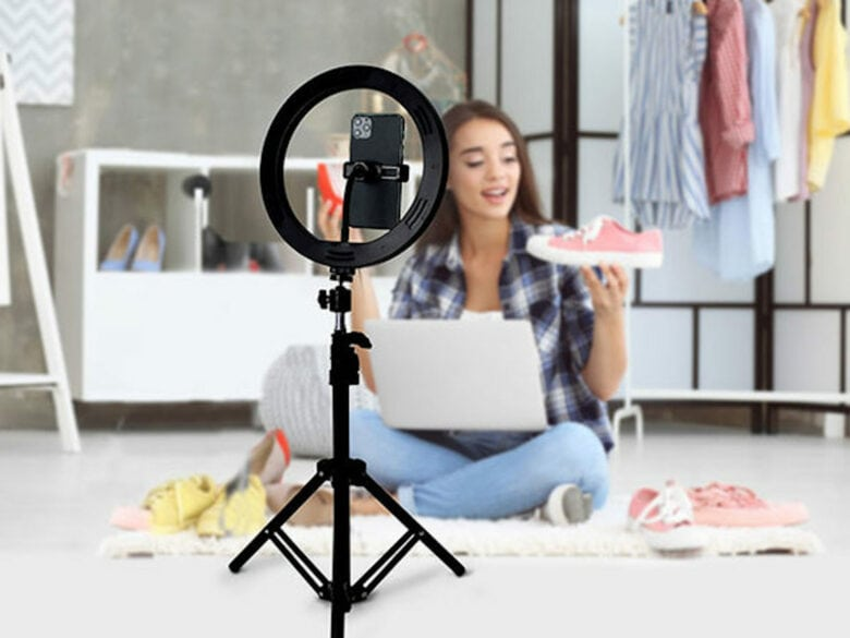 U-Stream Home Streaming Studio: Get great lighting for your videos and live streams with a 10-inch ring light, adjustable tripod and nonslip phone holder