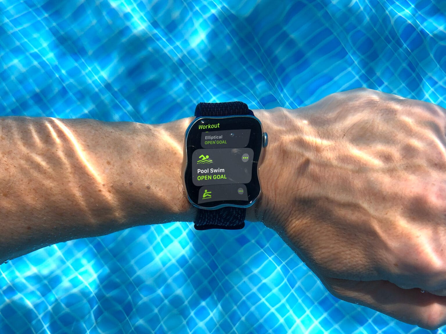 Do you know how Apple Watch counts your swim strokes?