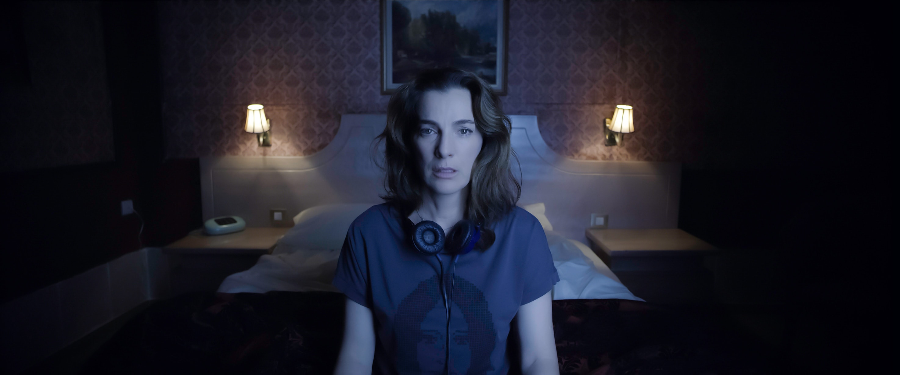 Ayelet Zurer plays the titular Alice in Apple TV+ miniseries Losing Alice.
