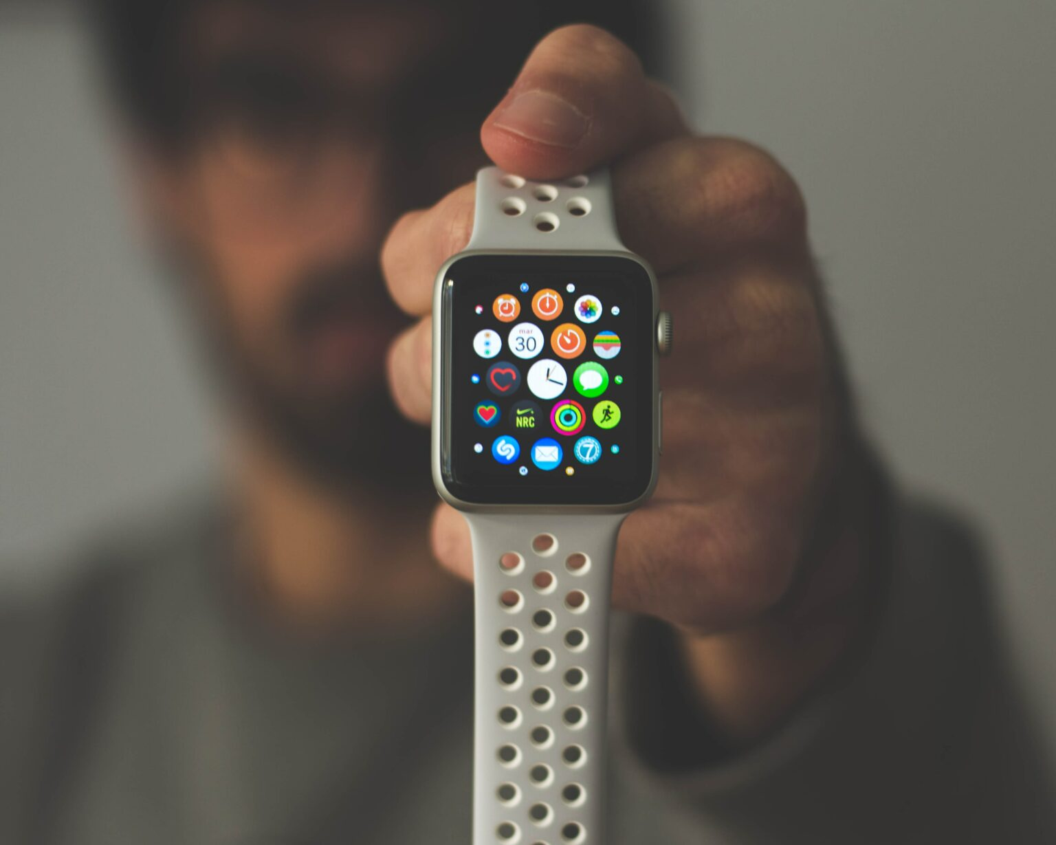 Change Apple Watch app layout from honeycomb grid to list view.