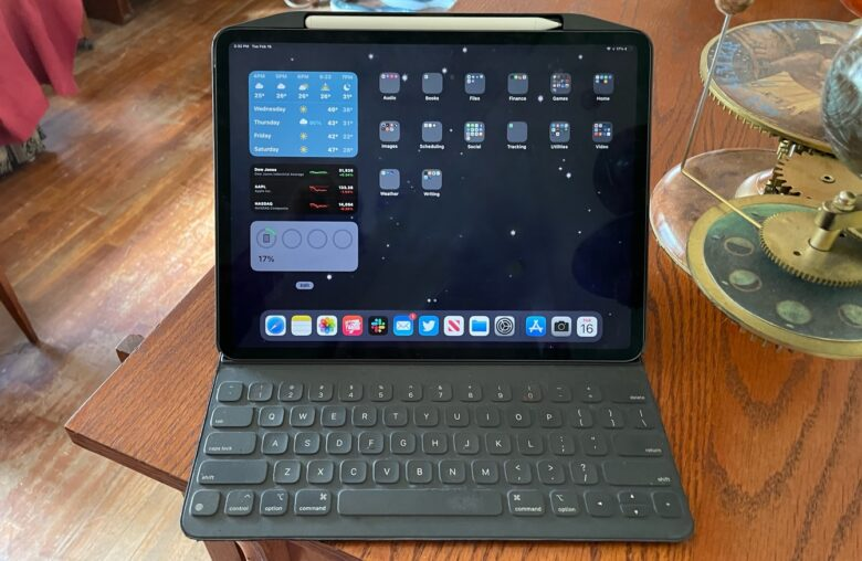 The SwitchEasy CoverBuddy doesn't interrupt the connection between an iPad Pro and an Apple Smart keyboard.