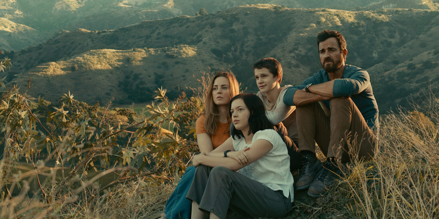 Justin Theroux, Melissa George, Logan Polish and Gabriel Bateman in The Mosquito Coast