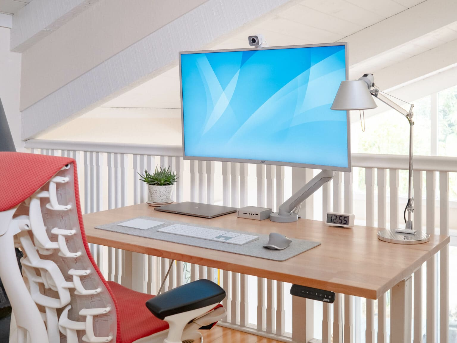 Arun Venkatesan's setup is a light and airy marriage of form and function.