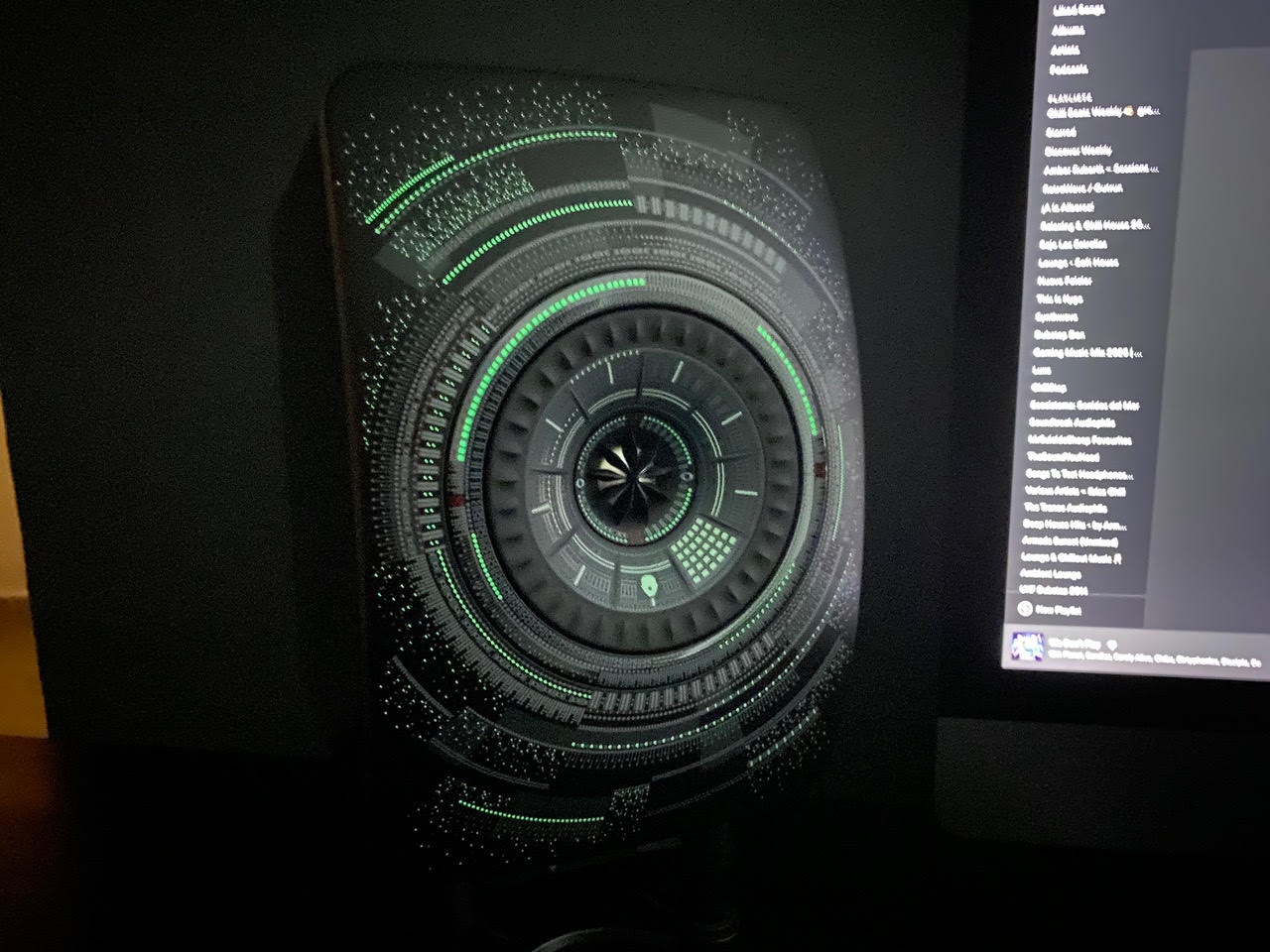 You know it's a cool setup when a speaker looks like it takes its design straight from Star Wars.