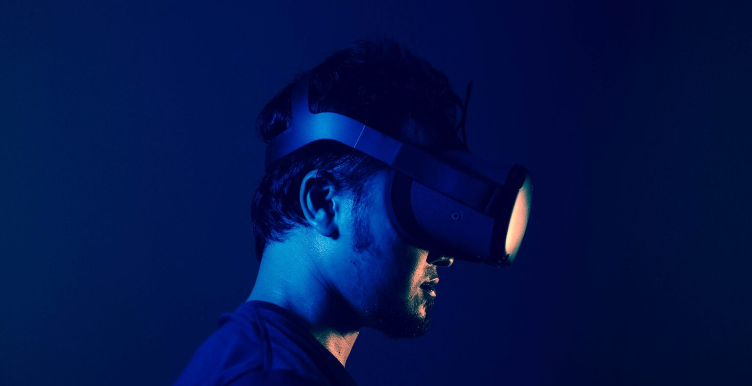 Apple could take on the likes of Oculus with a VR headset as early as 2022.