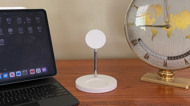 Belkin Boost↑Charge Pro 2-in-1 Wireless Charger Stand looks great.