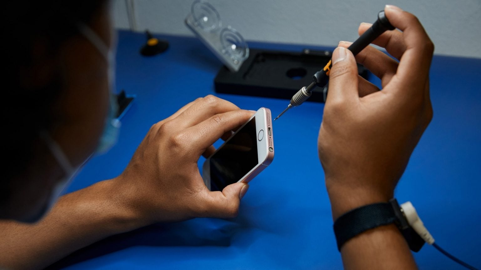 It'll soon be easier to find reliable iPhone, iPad or Mac repairs.